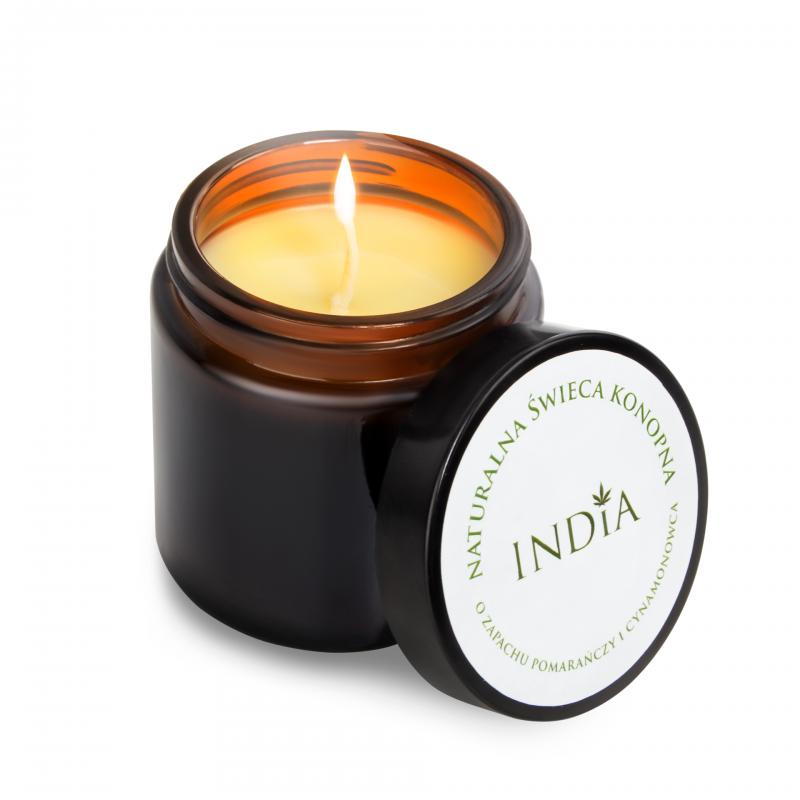 Конопена свещ с аромат на канела и портокал